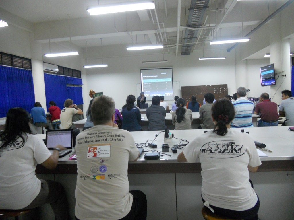 Attendees listen to Dr. Agus's lecture on nutrition