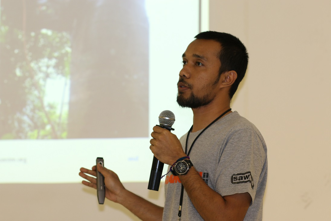 OIC's drh. Ricko Laino Jaya  - an OVAG committee member-  presents